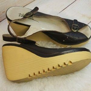 Very Volatile peep toe leather sling back wedge 8